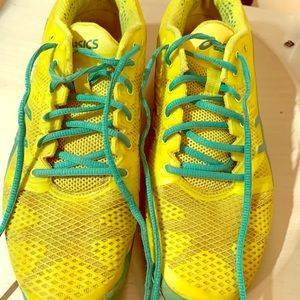 *lightly used* asics tennis shoes